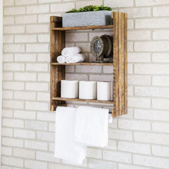 Nyers natúr polcon törülköző WC. papír és krémes tégelyek. A polcon kívül minden fehér